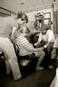Dad and Shelley help mom through a contraction